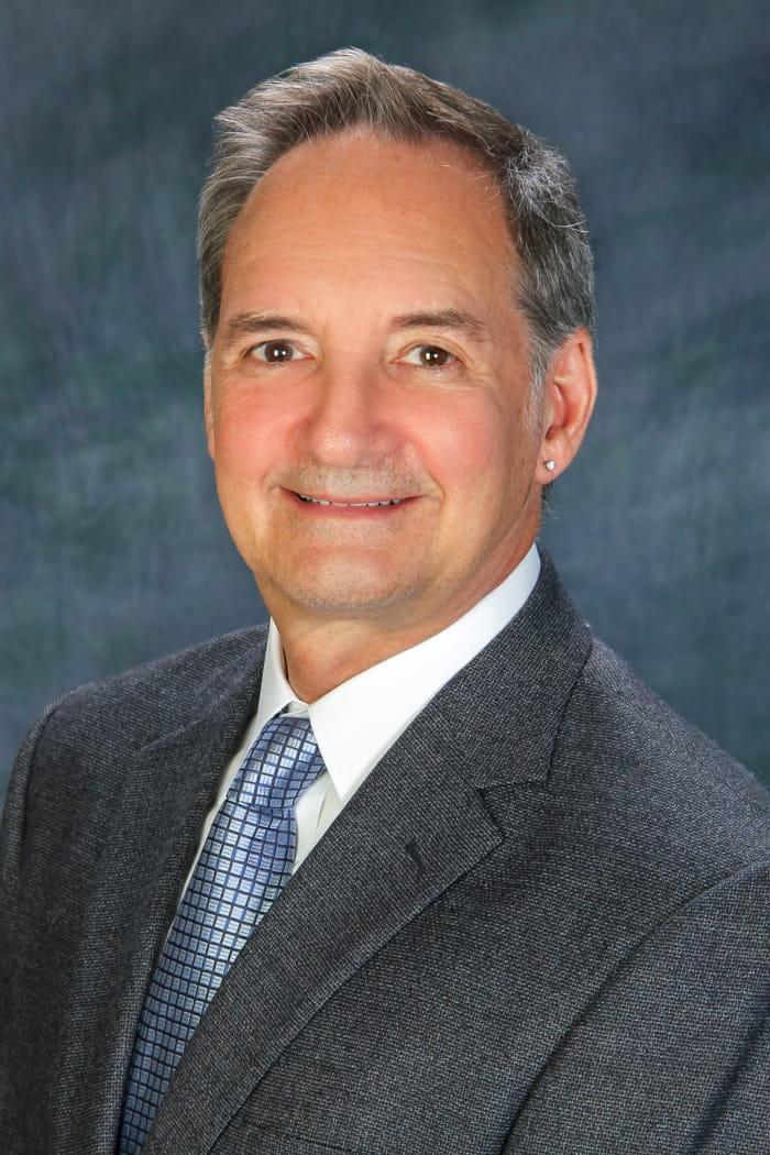 Headshot of Robert Helft, MD